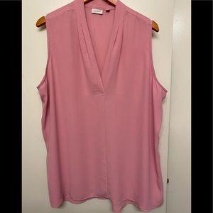 Woman's Avenue sleeveless V-neck sheer blouse